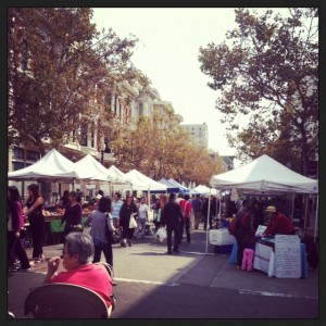 Oakland farmer's market (Photo by Nicole Martin)