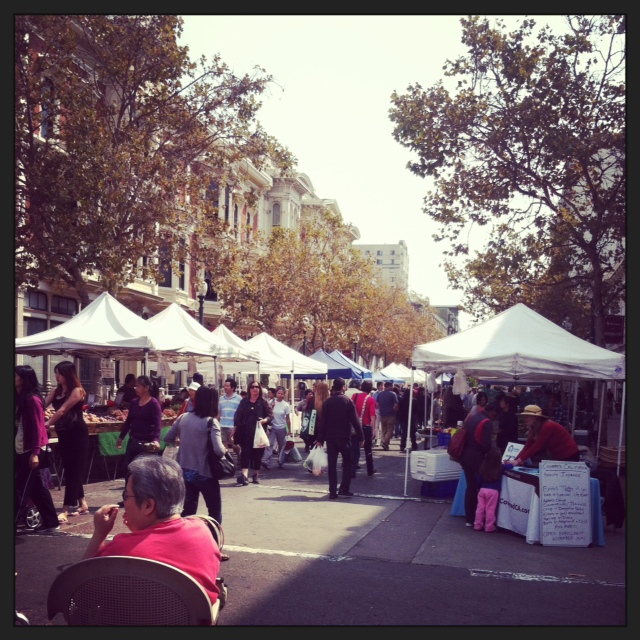 Oakland farmer's market